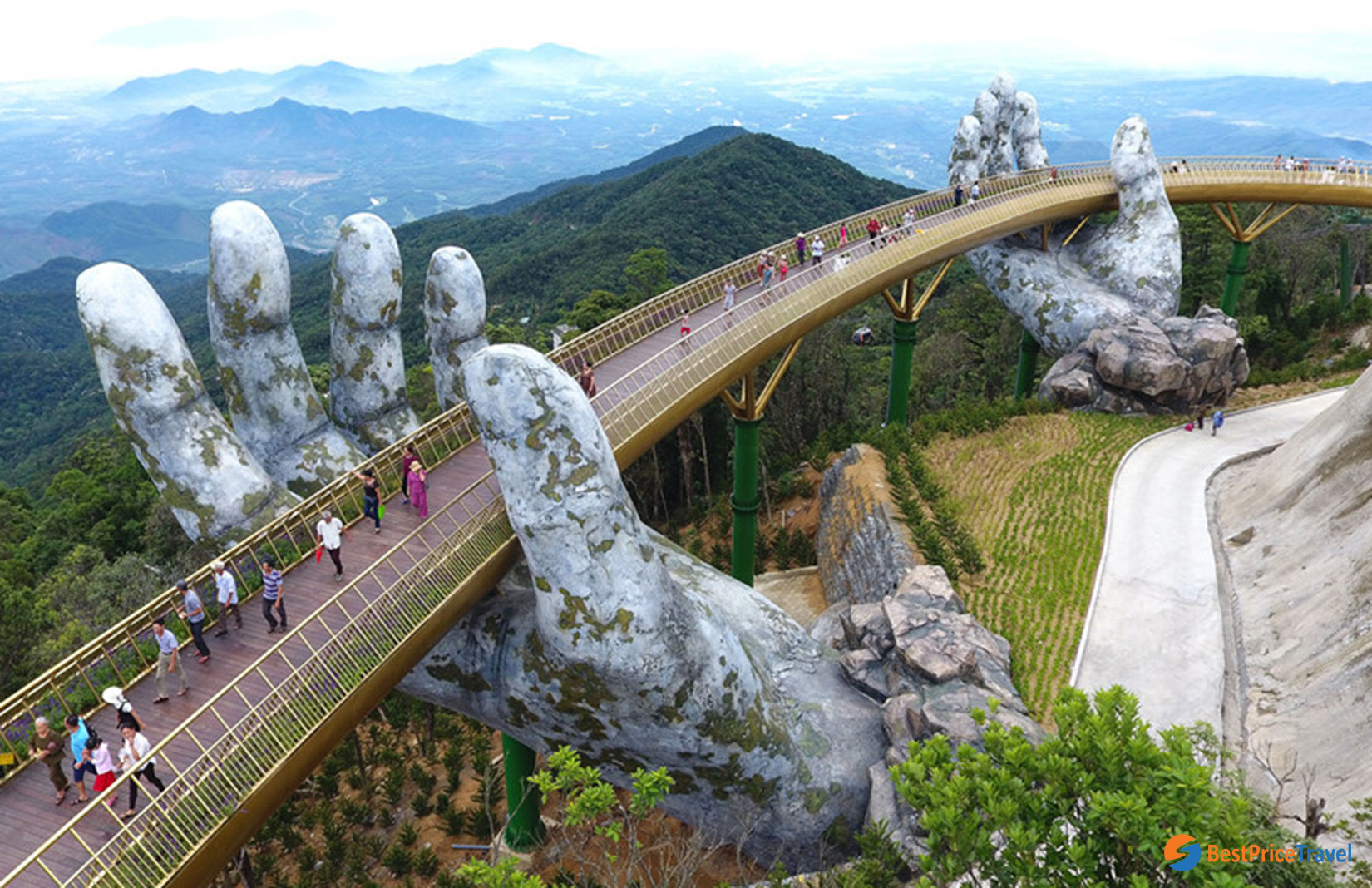 Golden Bridge - Bana Hills (Danang, Vietnam)
