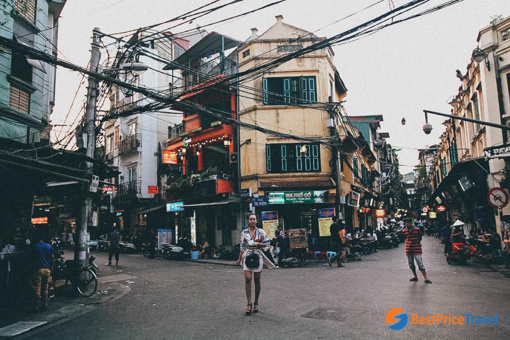 Hanoi Old Quarter - Ta Hien - Luong Ngoc Quyen Corner