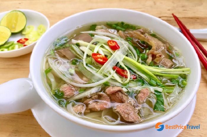 Pho - Vietnamese noodles - Must-Try Vietnamese Food