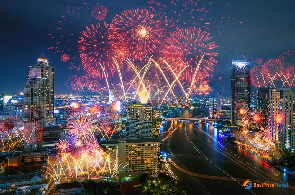 Firework in New Year Eve (Bangkok)