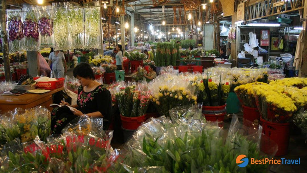 Dam Sen flower market - Vietnam's Tet Flower Markets