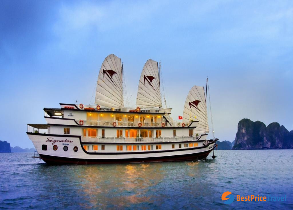 Classic Wooden Boat - Signature Cruise