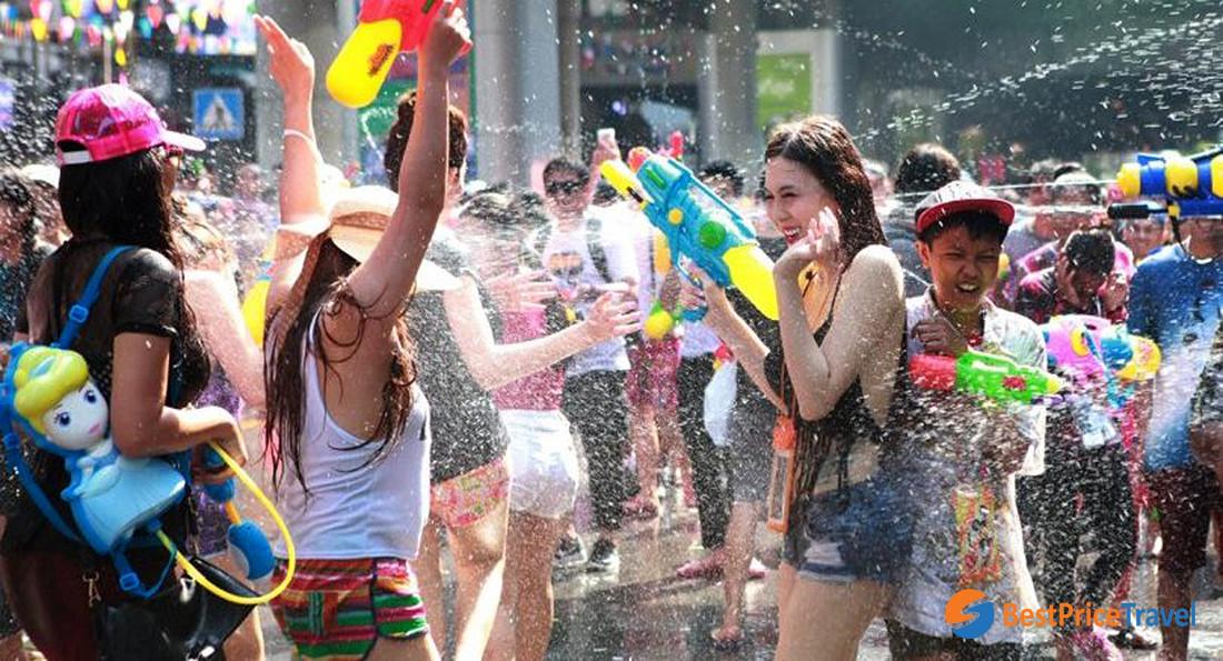 Water fighting in Songkran festival (Thailand)