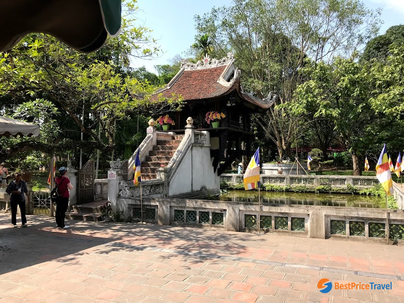 one pillar pagoda in Hanoi - tips for first time visitors when traveling to vietnam