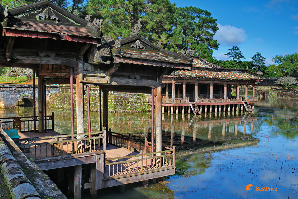 Garden in Tu Duc Tomb - tips for first time visitors when traveling to vietnam