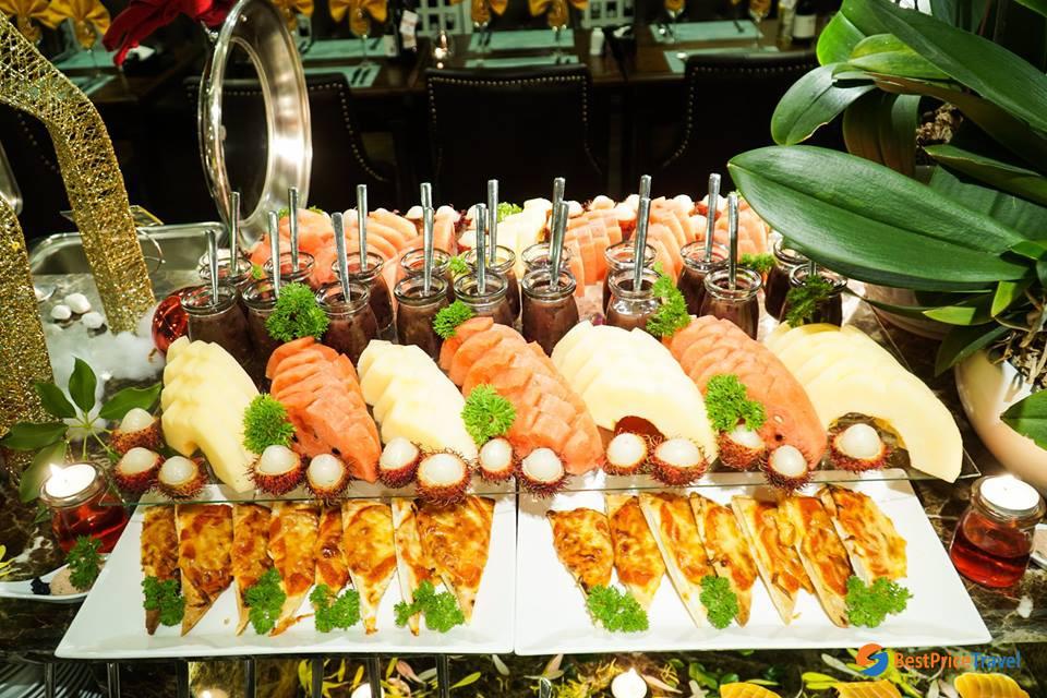 Mon cheri seafood - Halal Food In Halong Bay