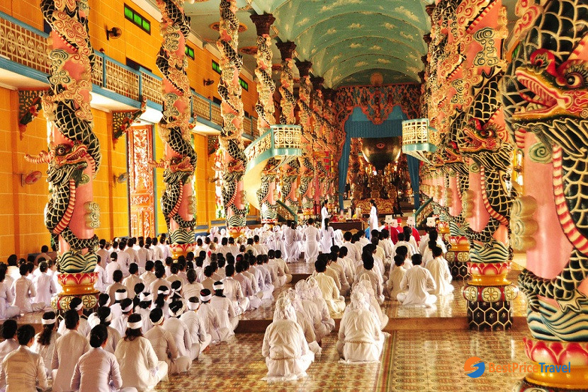 The stunningly vibrant architecture in Cao Dai Temple