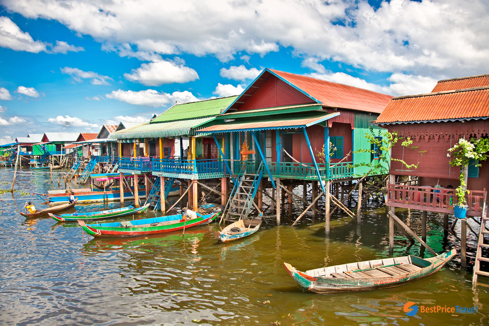 Explore local life at Tonle Sap Lake during summer vacation in Cambodia