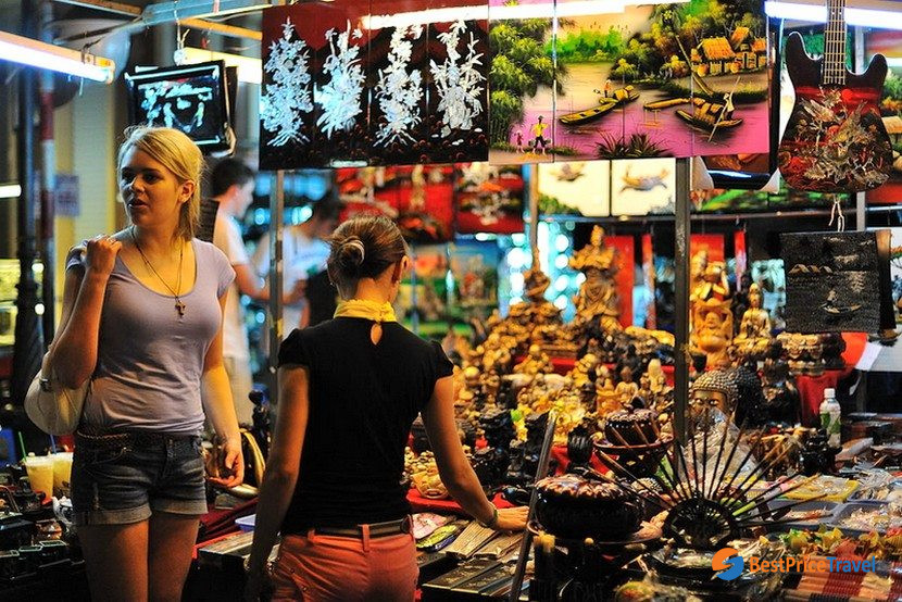 Nightlife Activities in Halong Bay with night market