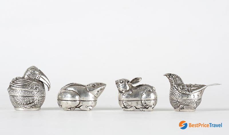 Cambodia Silver Deer Betel Nut Box for lovely souvenir in cambodia