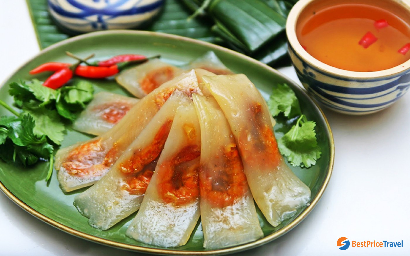 You can see what's inside Banh bot loc - Mekong Delta Food