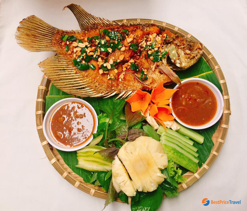 Ca Tai Tuong Chien Xu - Fried Elephant Ear Fish in Vietnam Mekong Delta