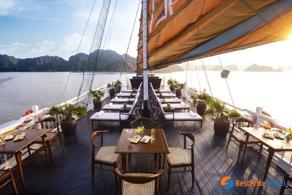 2d1n Halong Bay tour itinerary