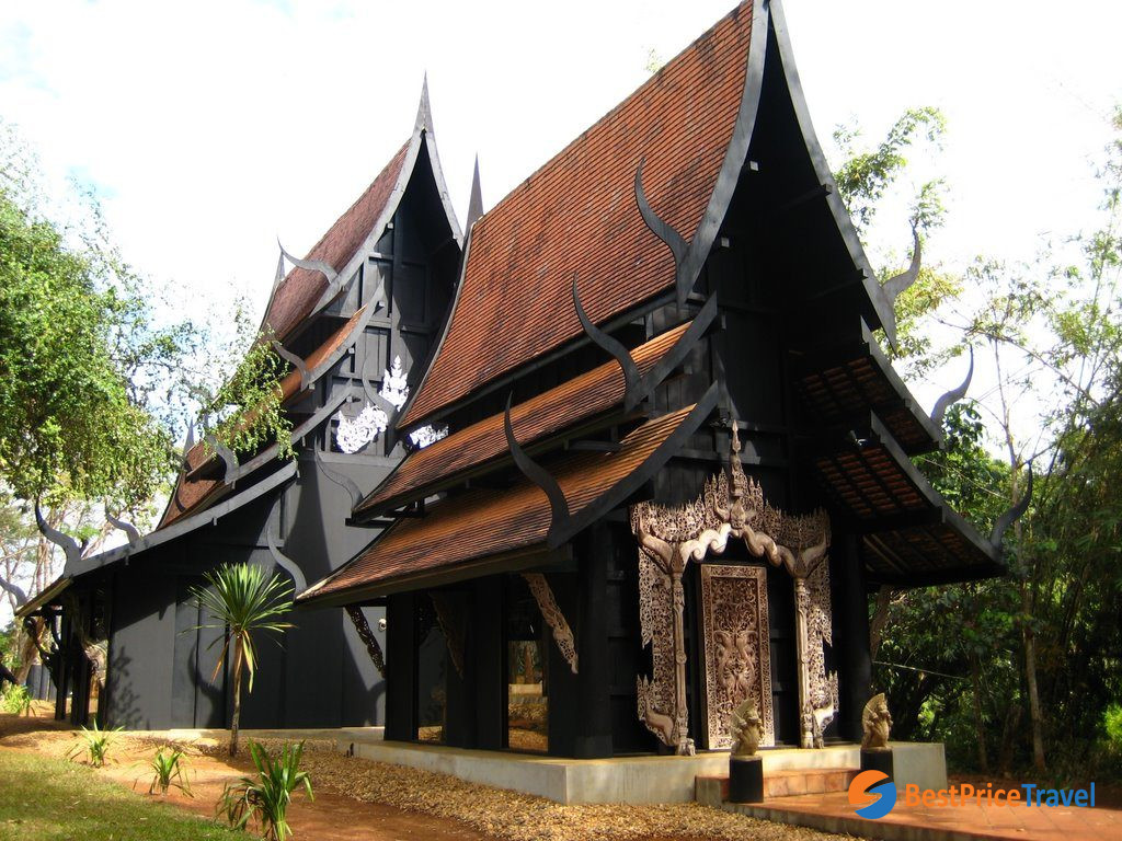 The Black Pagoda - one of best things to do in Chiang Mai