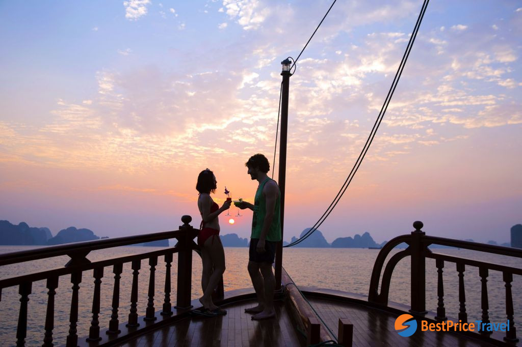 Enjoy sunset cocktails on 3-day tour Halong Bay cruise