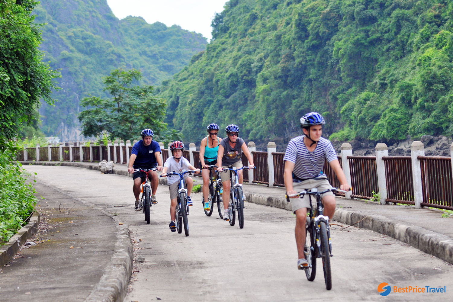 Biking route in Viet Hai Village in a 3-day itinerary in halong bay