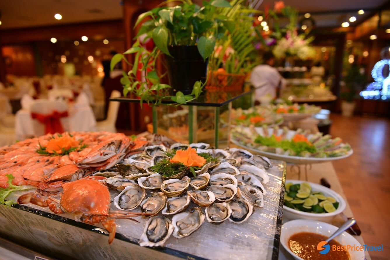 Taste fresh seafood in Halong Bay
