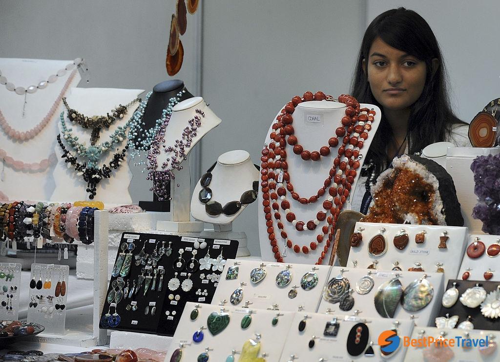 Gemstones - top things to buy in myanmar