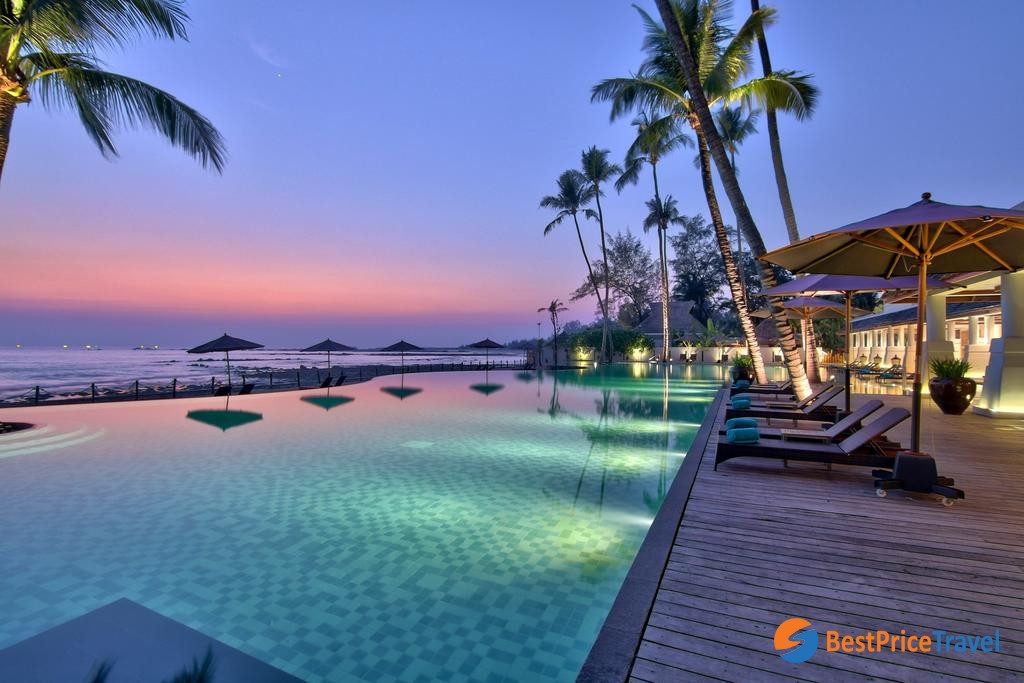 10. Hilton Ngapali Resort & Spa4*
