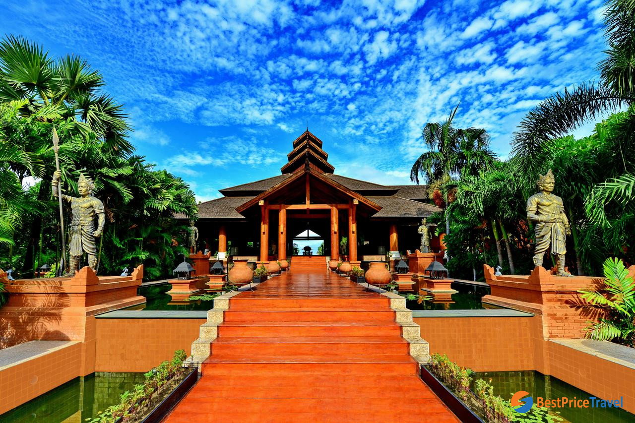 9. Aureum Palace Hotel & Resort Bagan