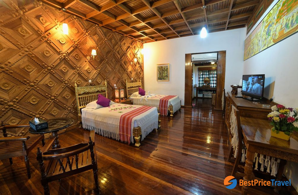 Deluxe Room with the typical traditional Bagan style