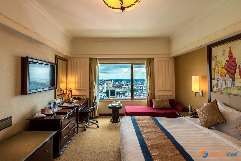 Luxury hotel room at Sule Shangri-La