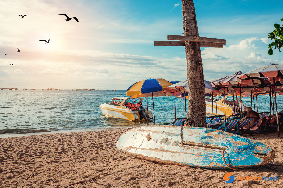 Refresh yourself on beaches after a day trip in Pattaya