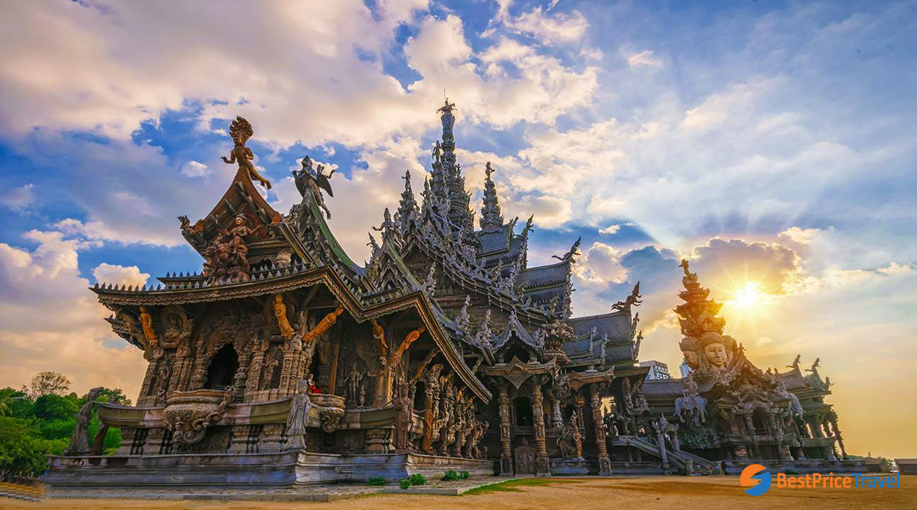 Sanctuary of Truth on your day trip in Pattaya