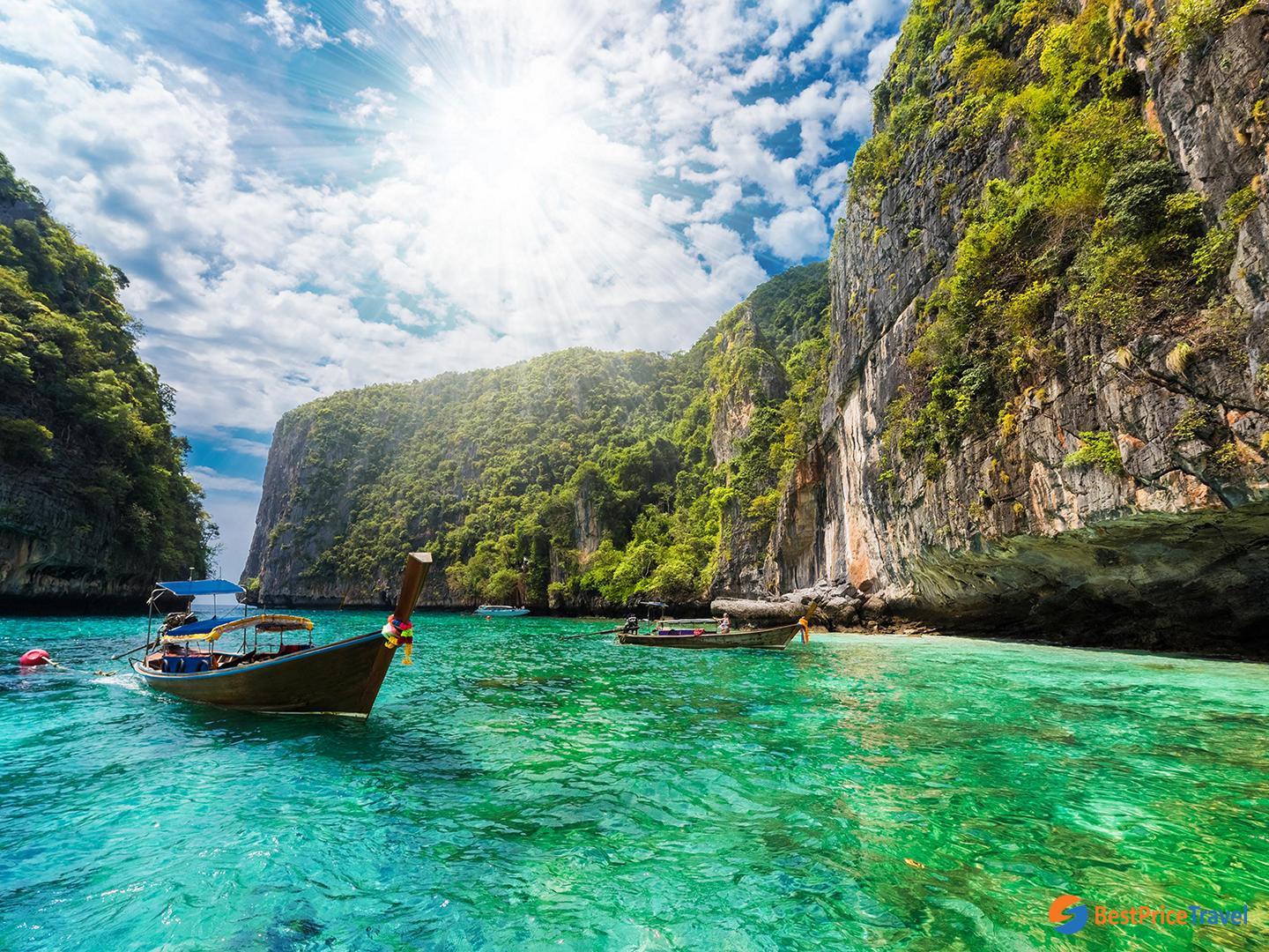 Avoid summertime to get cheap flight tickets to Thailand
