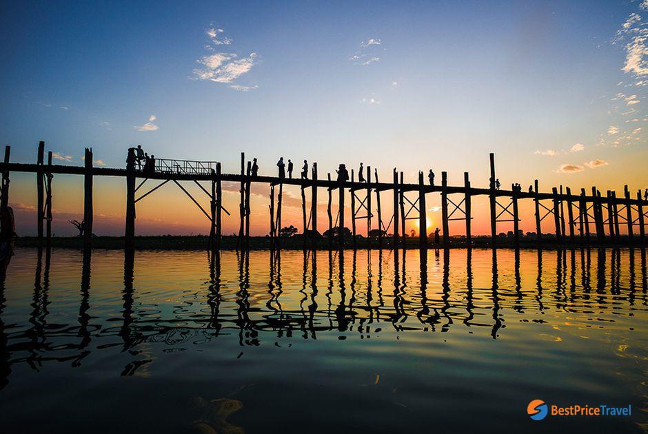 Beautiful sunset over U Bein Bridge