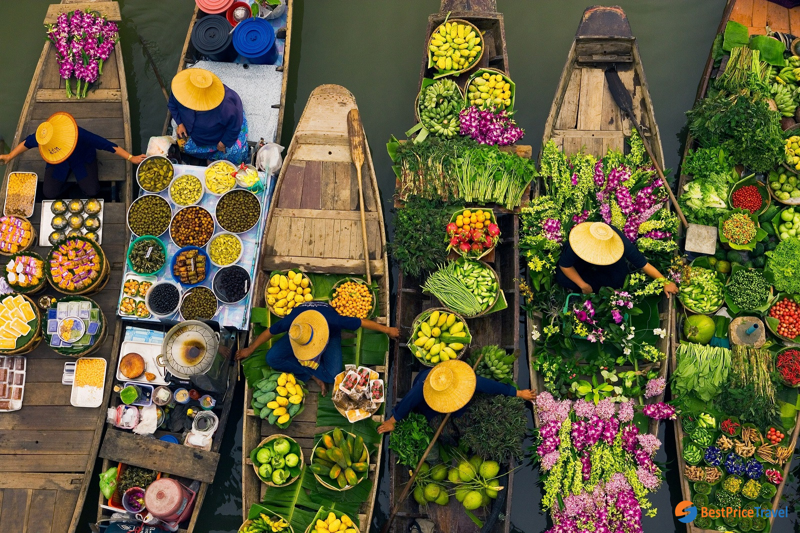 10 Best thing to do in Thailand - Floating Market visit