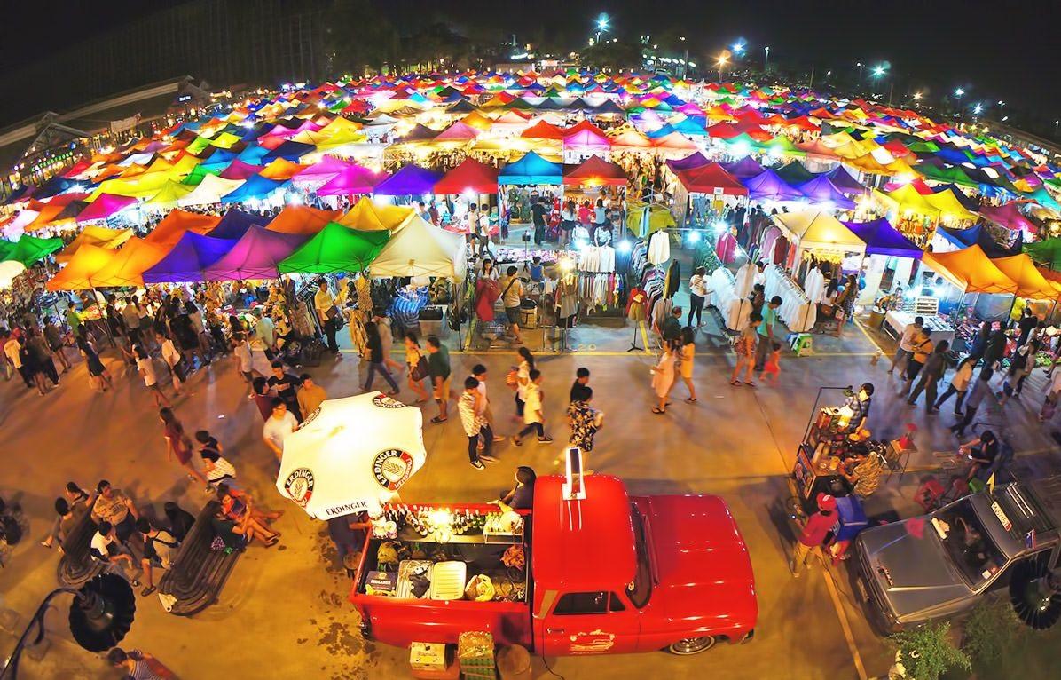 Night Bazaar - Top Nightlife activities in Chiang Mai