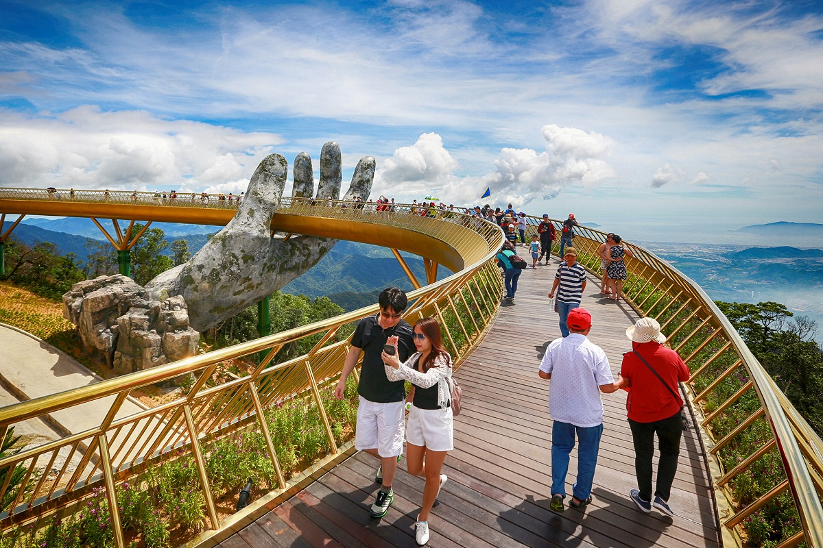 Golden Bridge in Bana Hills Da Nang