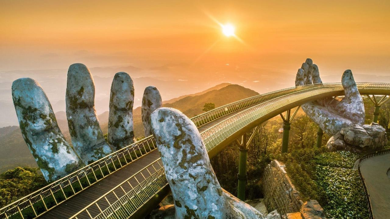 sunset at golden bridge