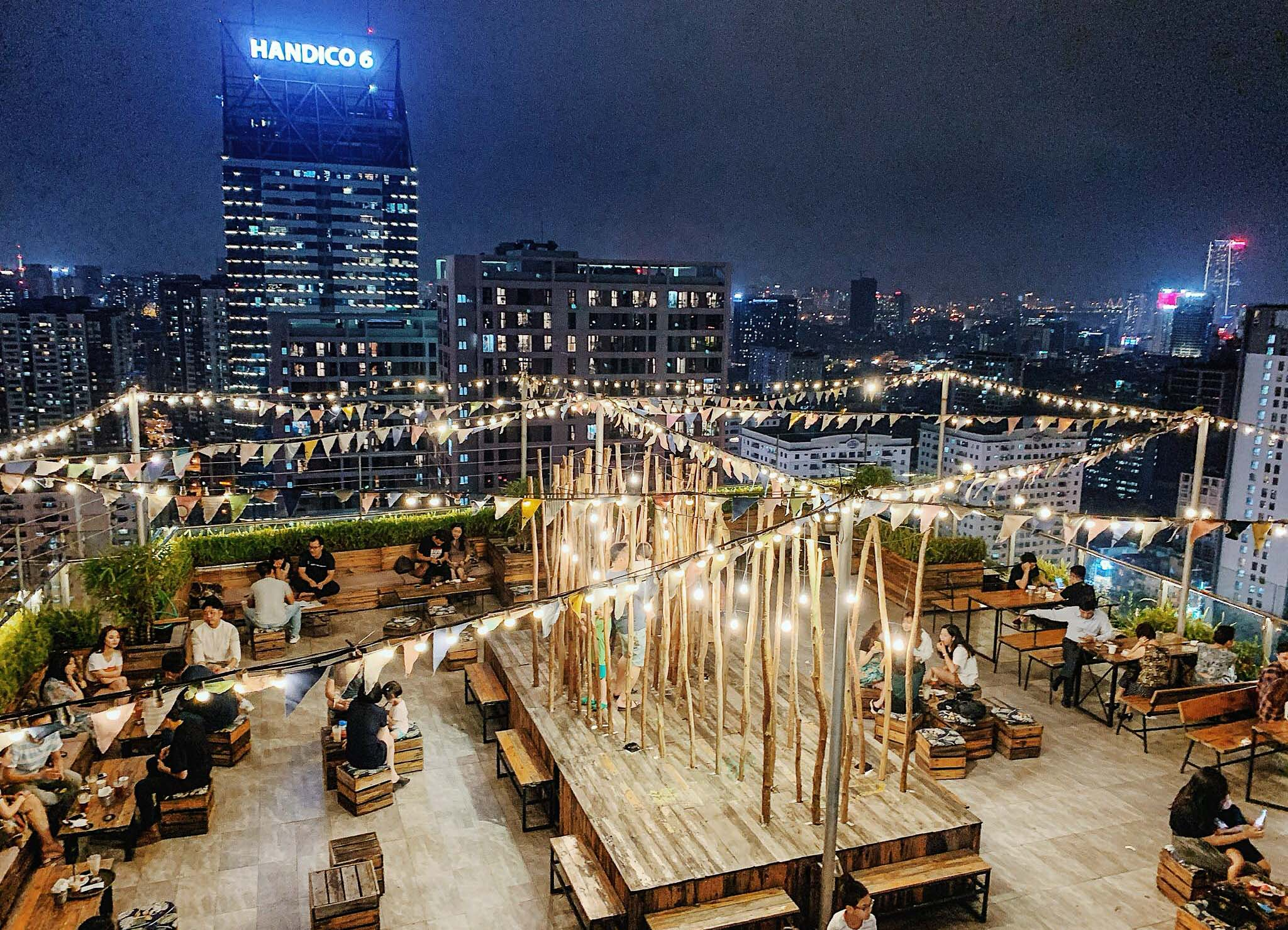 Trill Rooftop Café - Top 20 best restaurants you must give a try in Hanoi