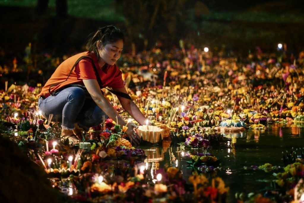 Loy Krathong lighthouse festival - What to Expect for Winter in Thailand