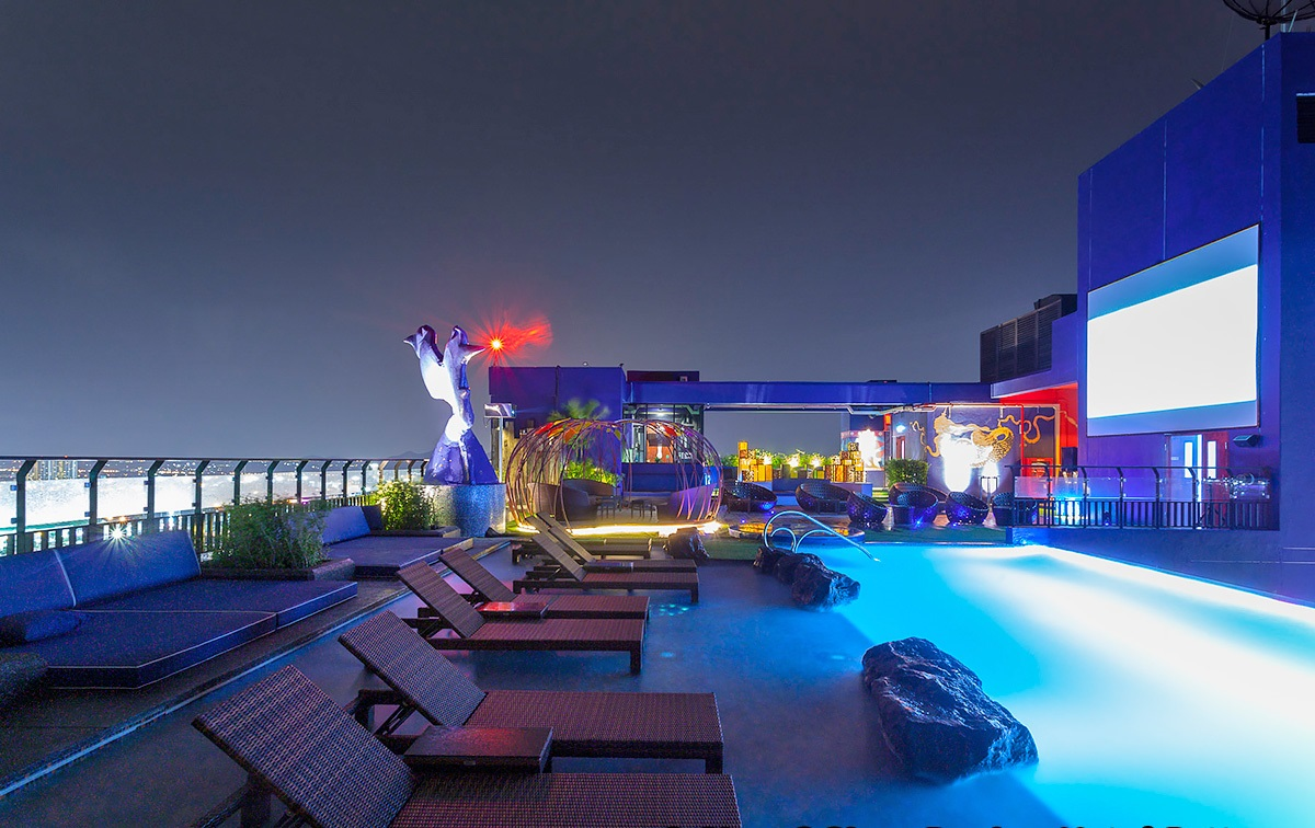 Roof Sky Bar & Restaurant - Check out the top 5 bars in Pattaya