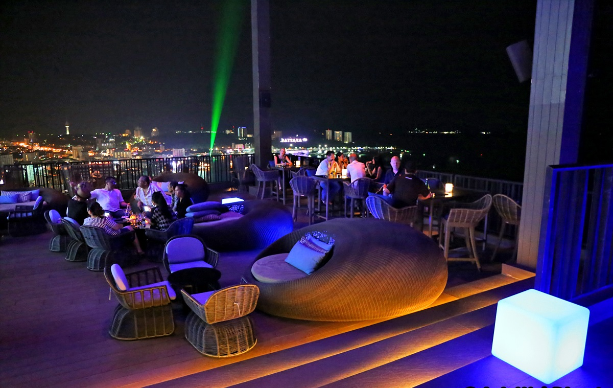 Horizon Bar - Check out the top 5 bars in Pattaya