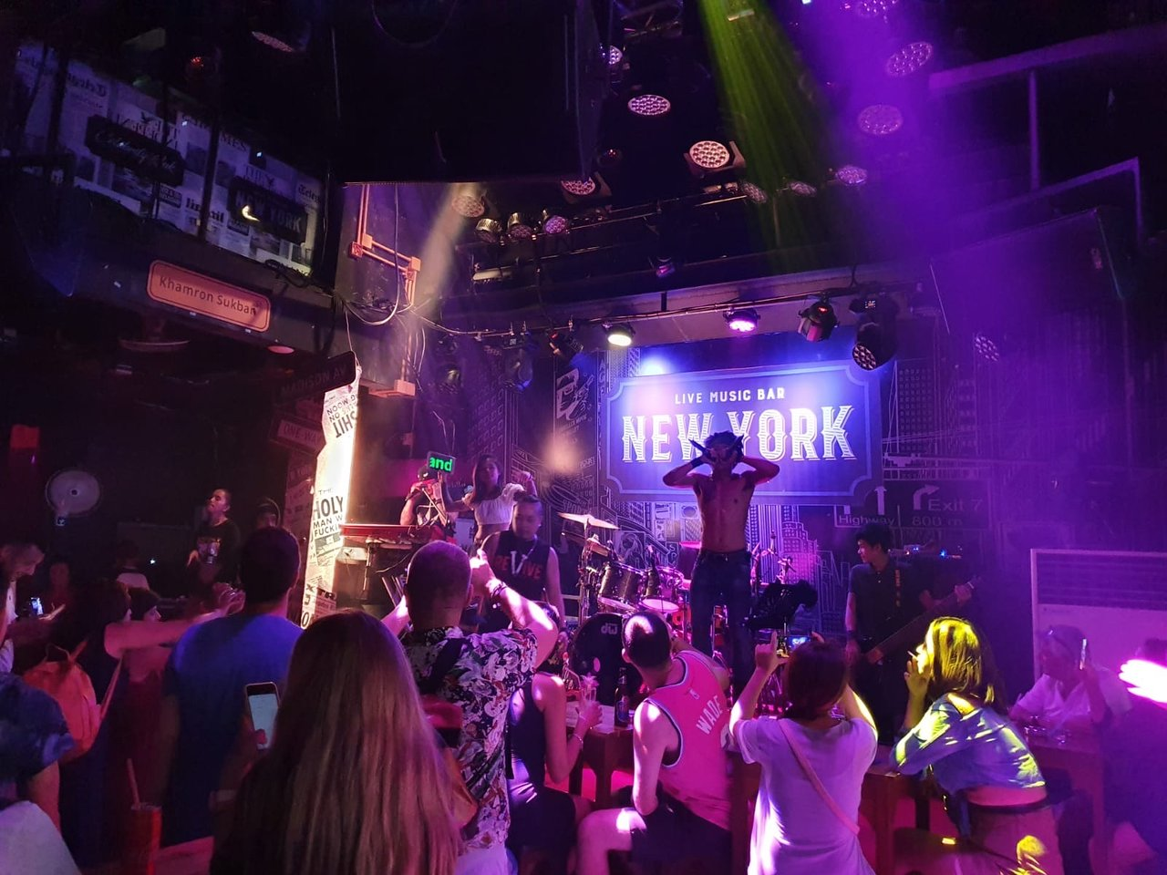 New York Bar -Top 5 famous bars in Phuket