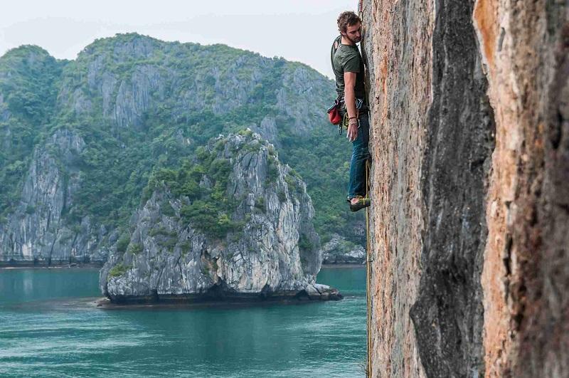 Rock climbing in Halong Bay