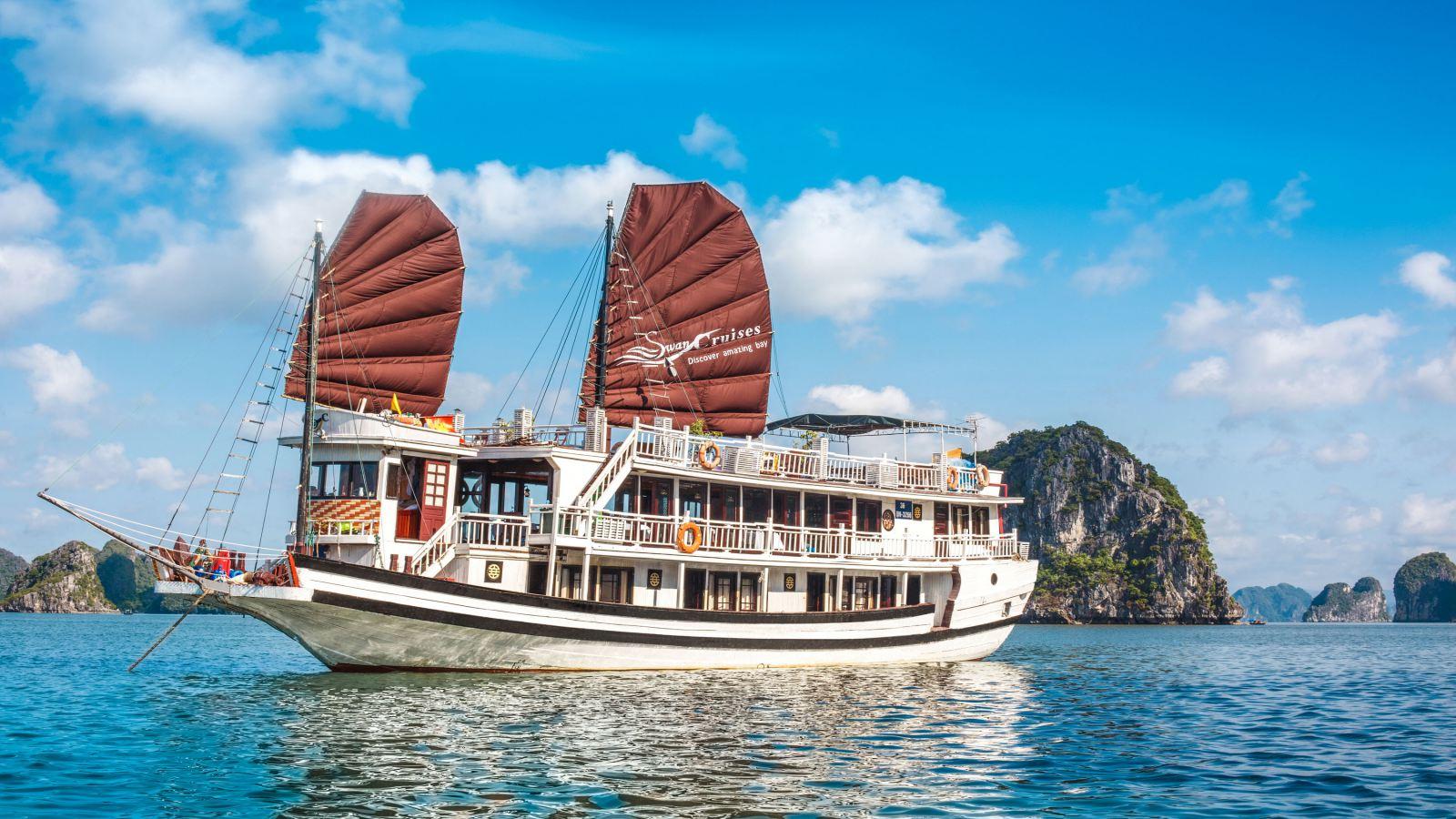 Halong Bay Cruise from Cat Ba