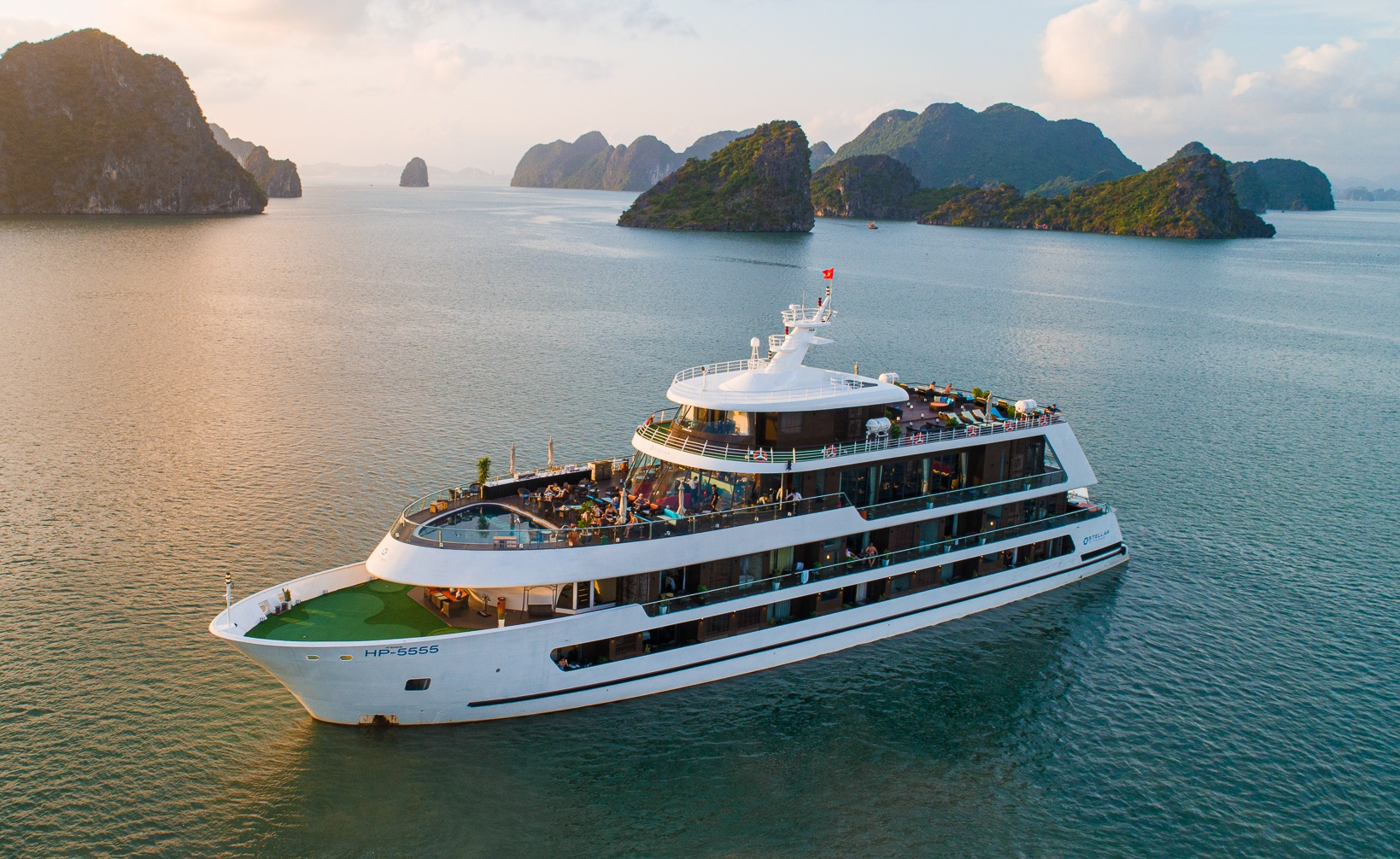 Stellar of the Seas - Halong Bay Cruise