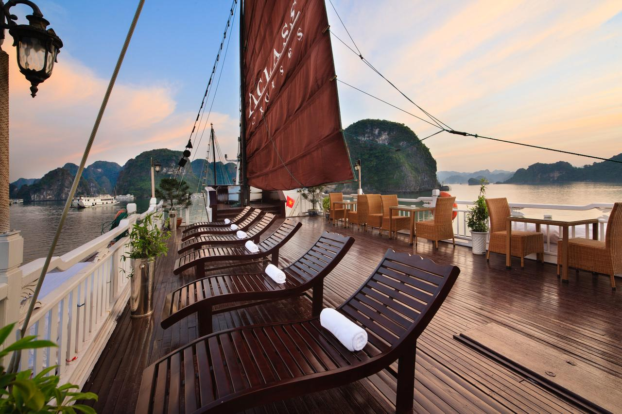 Aclass Stellar Cruise - Halong Bay tour for backpackers