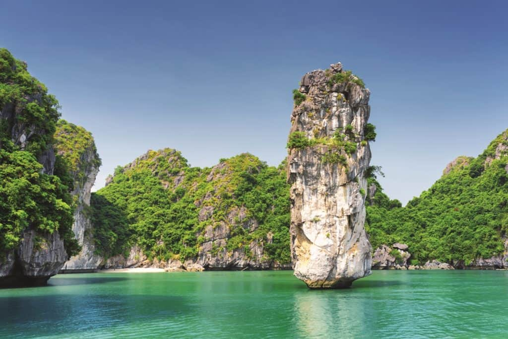 Karst formations - Things to do in Halong Bay