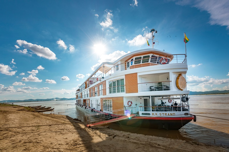 Explore Myanmar by river cruise