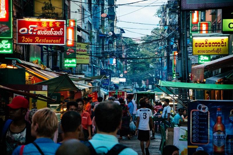 What to eat in Yangon night market? 19 street