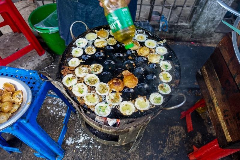 Snack Couple Yangon night market?