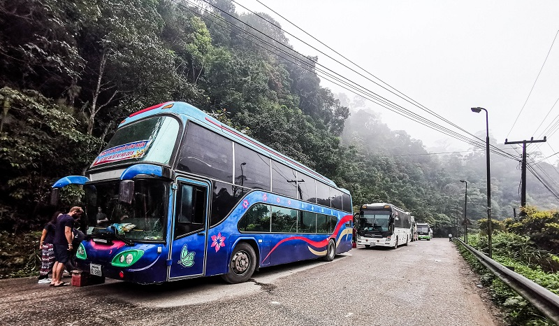 Vietnam Laos bus border