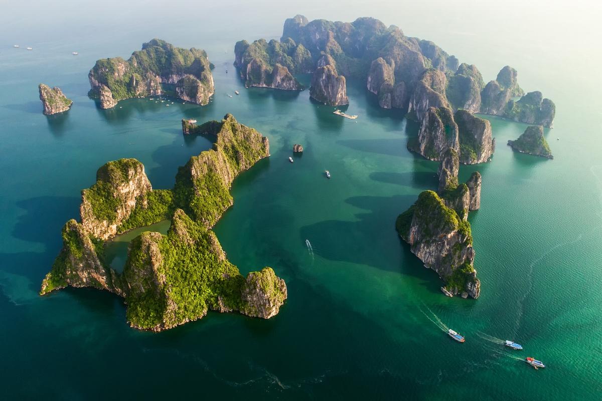 Hanoi to Halong Bay flight