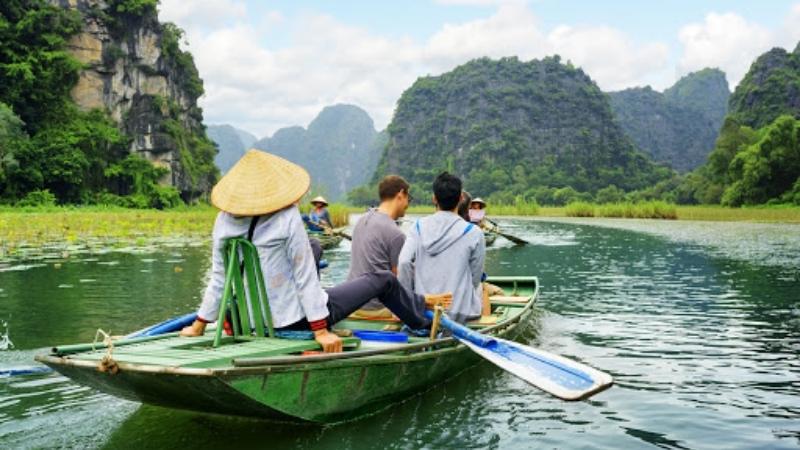 Bamboo Boat Ride in NInh Binh